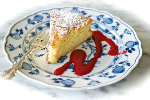 Ricotta Cake w Raspberry Sauce